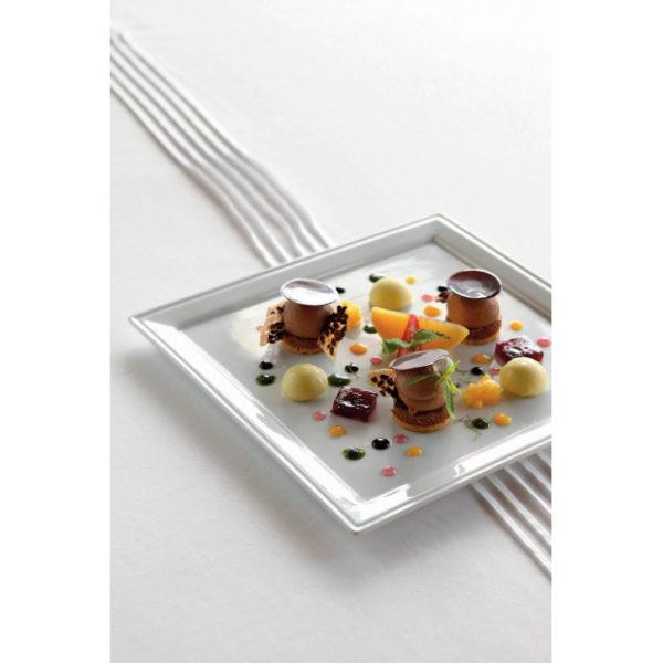 assiette-carree-en-porcelaine-blanche